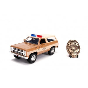 "STRANGER THINGS 1:24 CHEVY K5 BLAZER WITH REPLICA SHERIFFS BADGE ""PRE ORDER SEP/OCT 2019"""