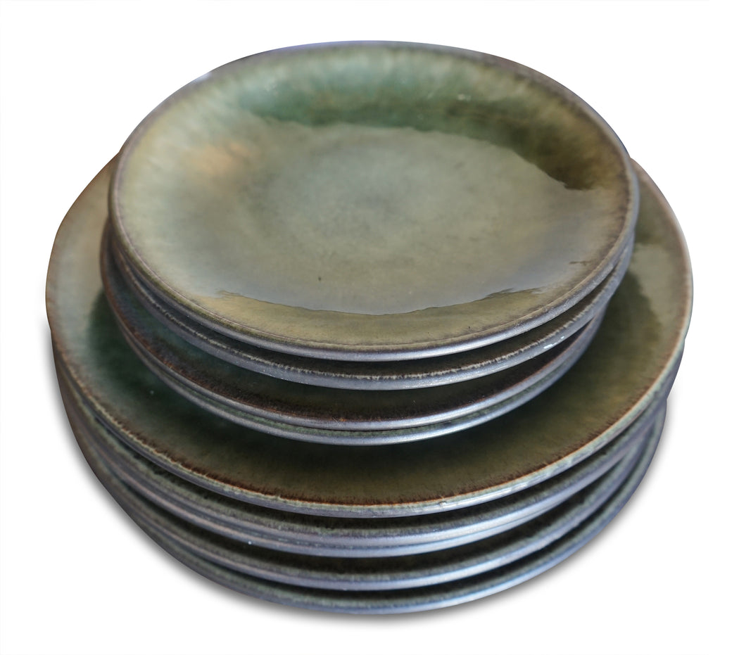 Set of 8 Glazed Ceramic Plates
