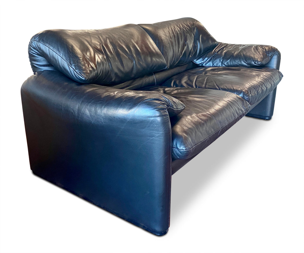 Black Leather 'Maralunga' 2-Seater by Vico Magistretti for Cassina