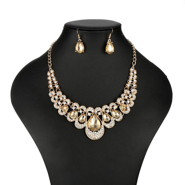 Women's Fashion Necklace with Multicolor Rhinestones