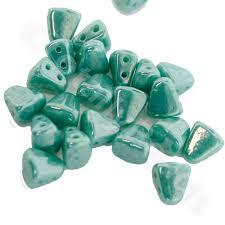 NB65-L6313 Opaque turquoise luster - 50 beads