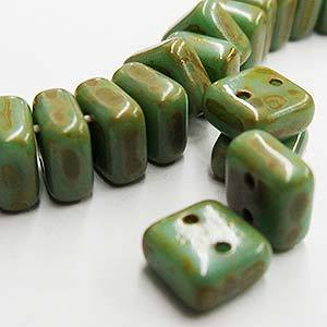 CHX06-63120/86800  Opaque turquoise green Picasso - 25 beads
