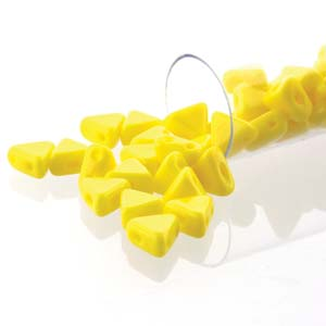 KHP06-83120  Opaque jonquil - 50 beads