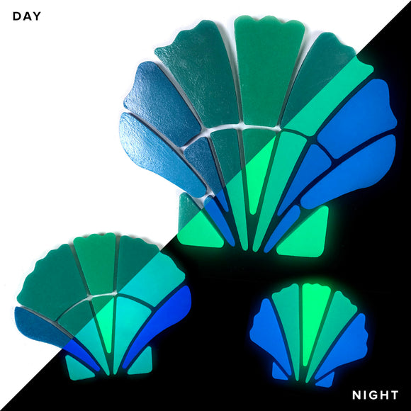 Scallop Shell Family Glow in the Dark Pool Mosaics