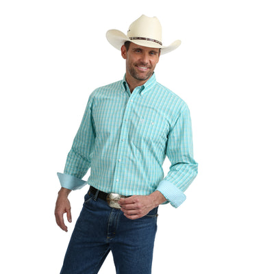Wrangler Men's George Strait Plaid Long Sleeve Shirt