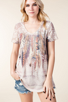 Vocal Apparel Women's Feather Print Short Sleeve Top