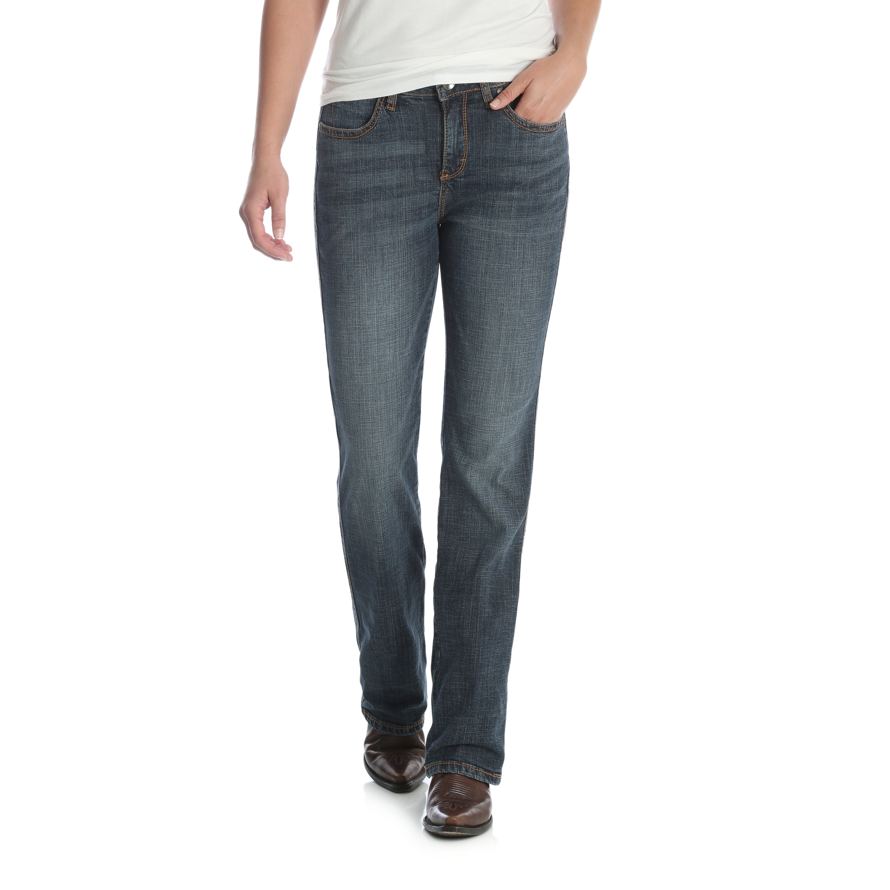 6d87be95a401 Wrangler Women s Aura Instantly Slimming Bootcut Jeans