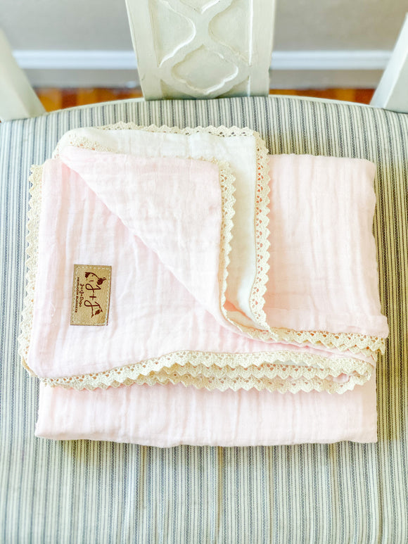 Two-Tone Gauze Quilt in Petal - Lovey