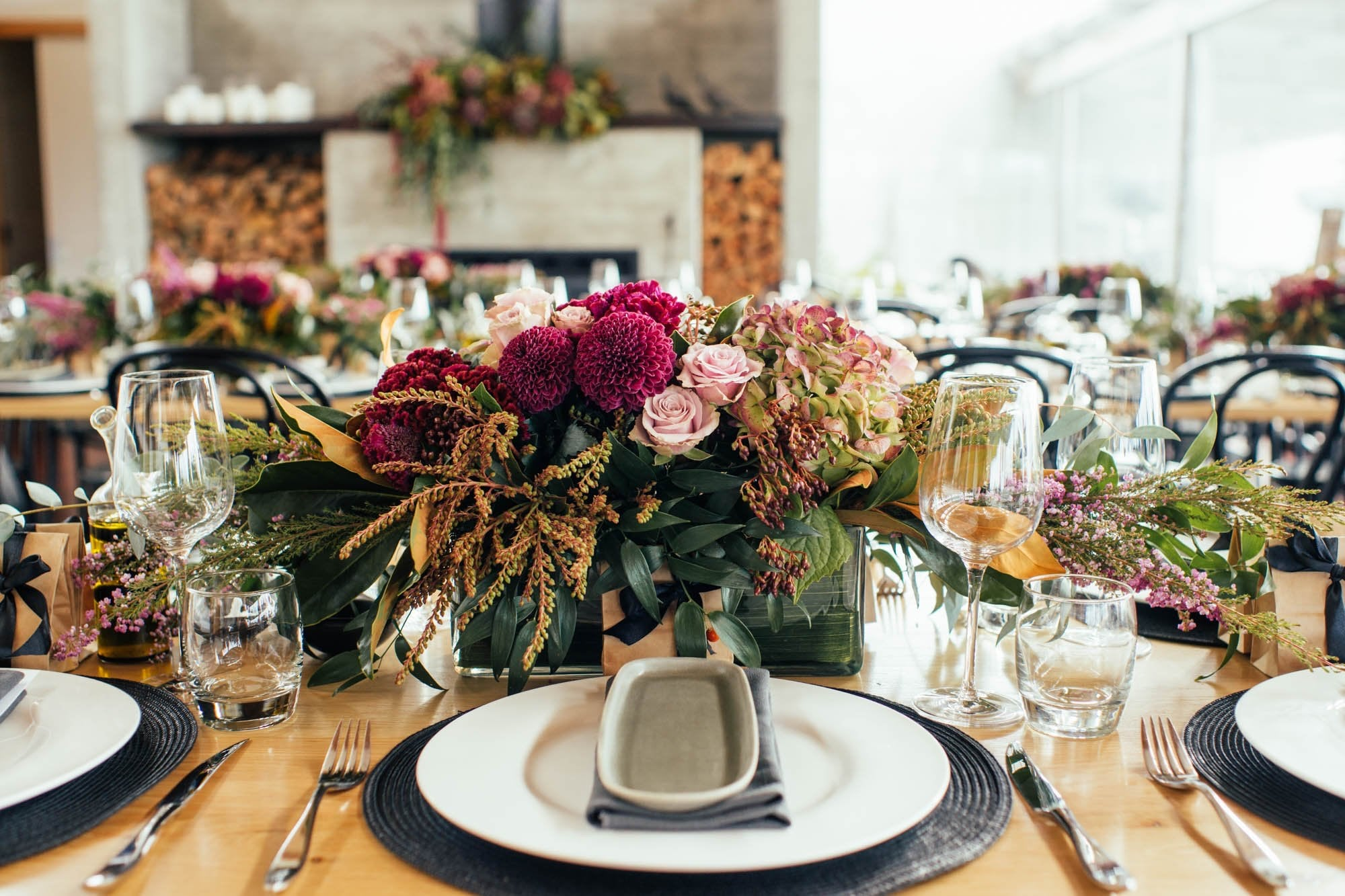 DIY Weddings - 3-Class Experience - Bouquets and Buttonholes, Table Flowers, and Creative Installations