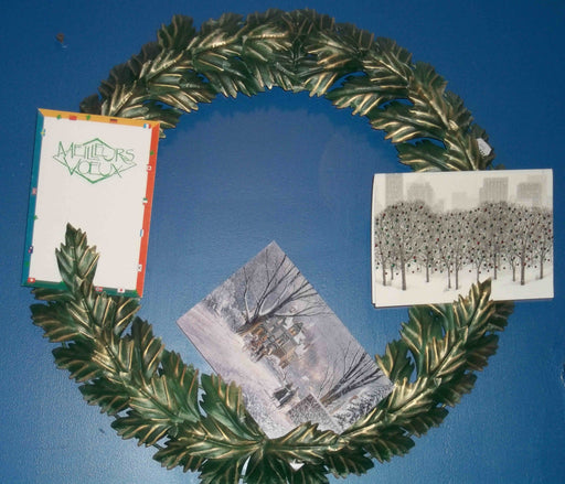 METAL WREATH FOR CHRISTMAS CARDS