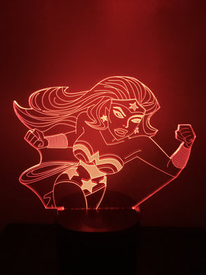 Lampe Haut Parleur Bluetooth 3D DEL Wonder Women