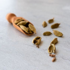 what is the flavor of cardamom?