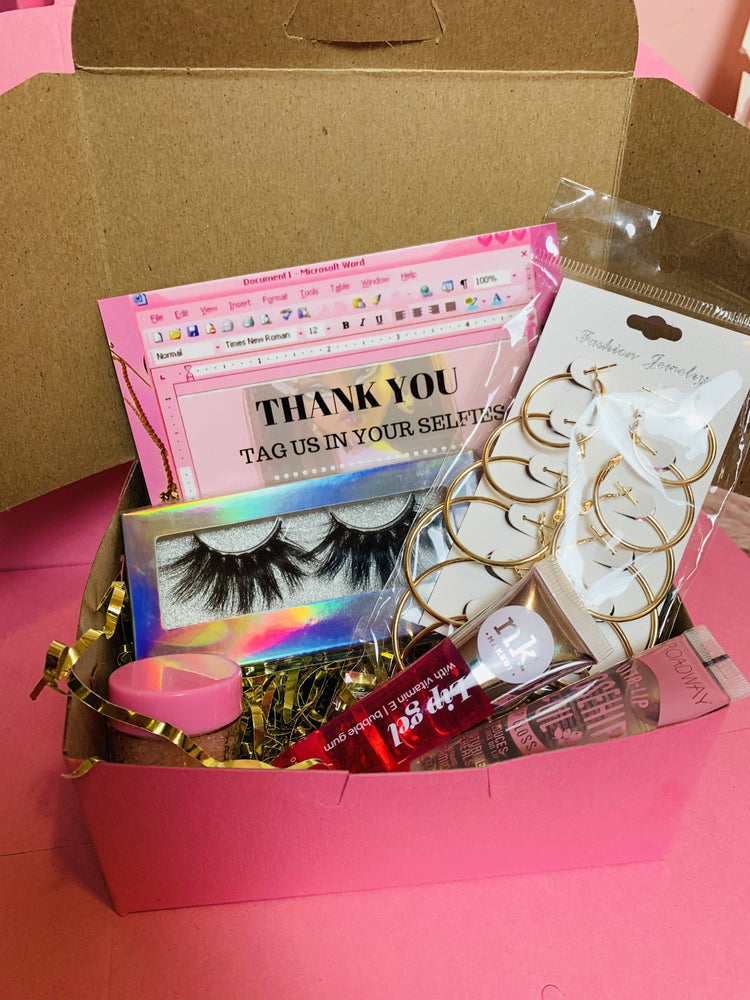 Ultimate Baddie BOX Gloss Earrings Lashes - Glo Babe