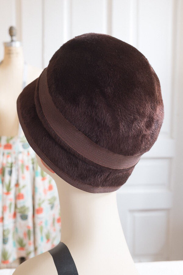 Dayton's French Room Brown Brushed Felt Cloche With Ribbon | Vintage 1960s