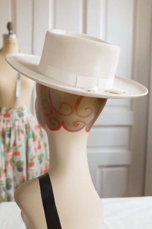 White Wool Hudson Bay Company Chuckwagon Hat | Vintage 1960s