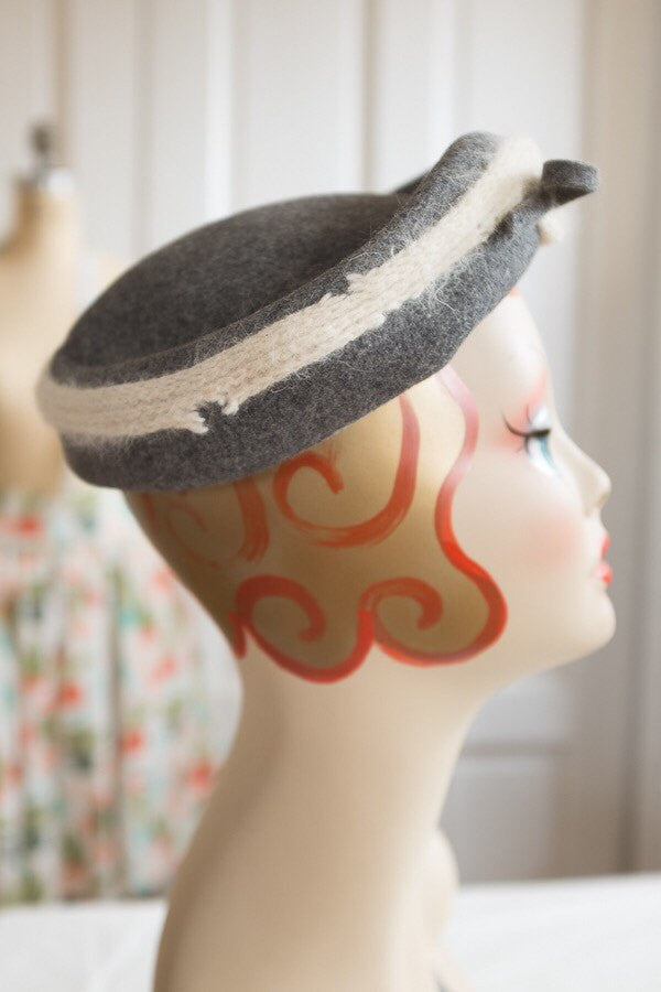 Women's Grey Wool Felt Tilt Hat with White Yarn and Rhinestone Accent | Vintage 1950s