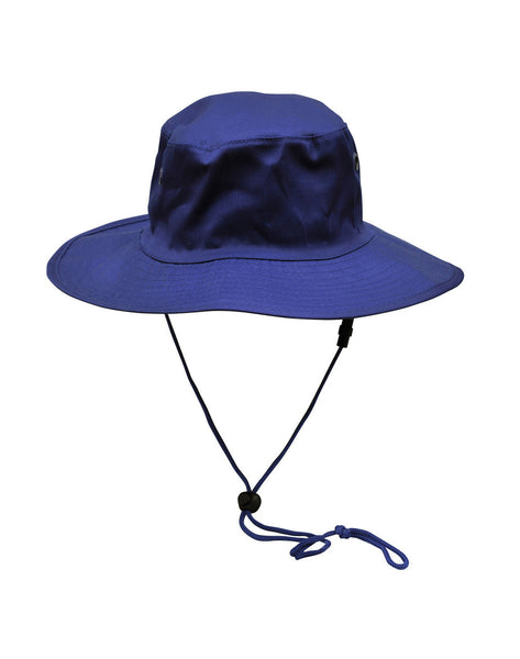 Campus Spirit Surf hat with clip on chin strap