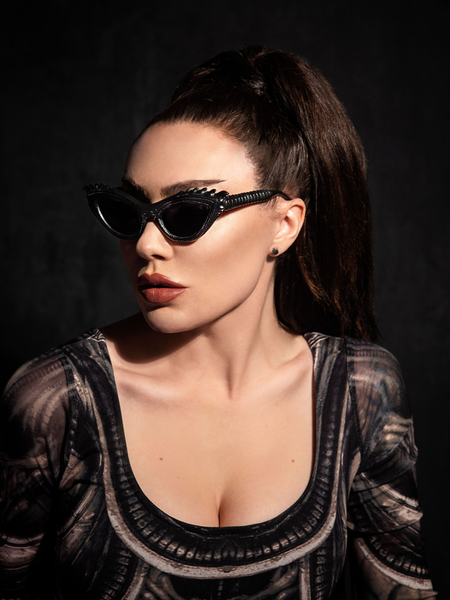 PRE ORDER - Alien™ Xenomorph Cat-Eye Sunglasses