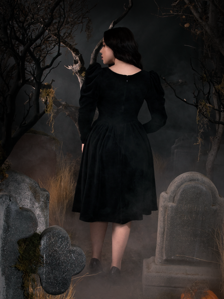 Sleepy Hollow Gothic Tales Velour Swing Dress in Black
