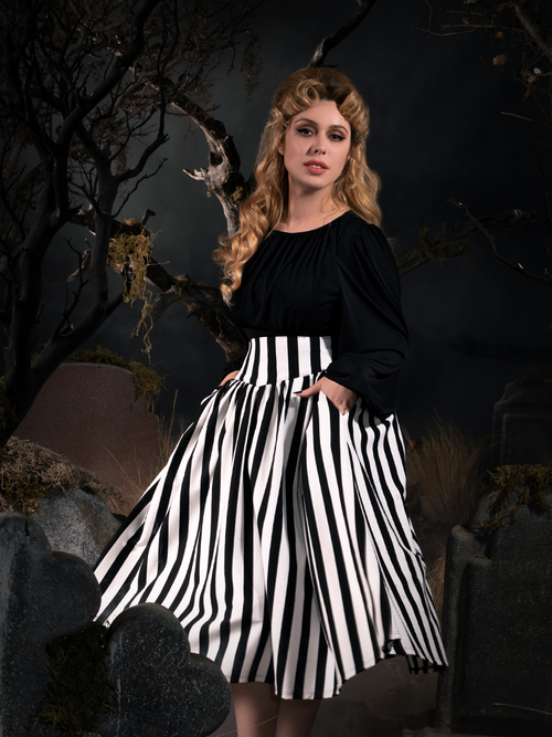 Sleepy Hollow The Katrina Skirt in Black and White