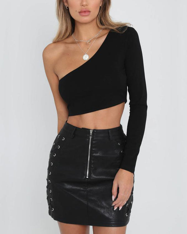 Floorfiller Asymmetrical One Shoulder Crop Top - Black | Flirtyfull.com