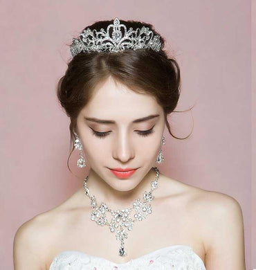 Gorgeous Silver Plated Crystal Tiara Jewelry Set