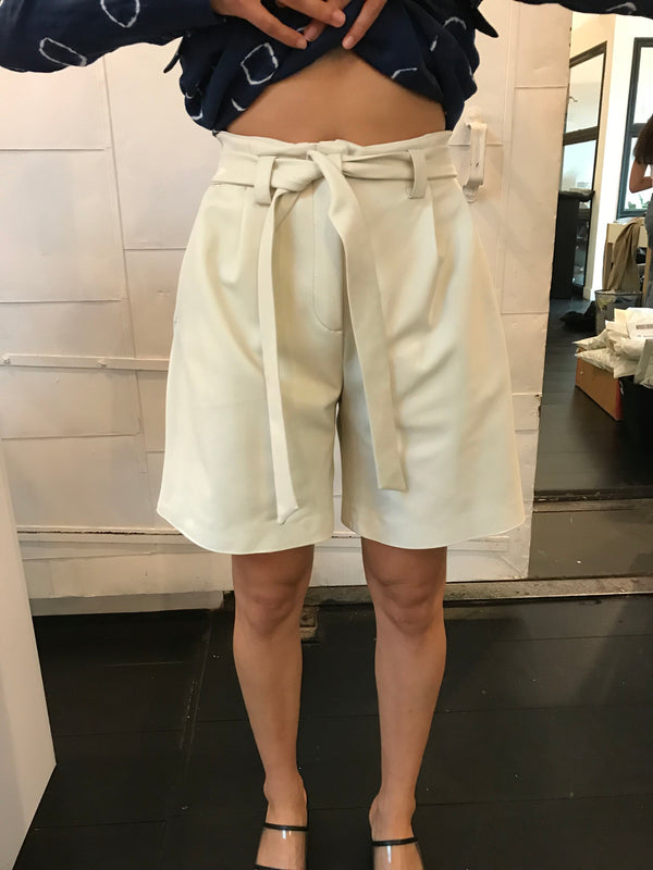 VEDA Luis Leather Short