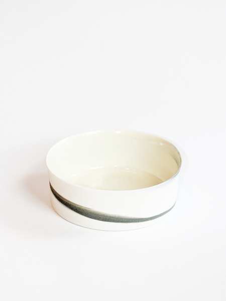 LILITH ROCKETT CERAMICS Small porcelain cylindrical bowl with grey swirl