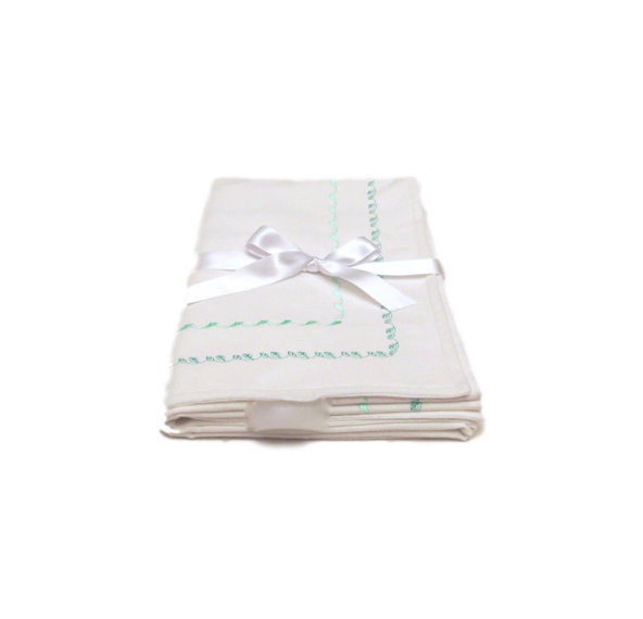 EMBROIDERED BLANKET - WHITE WITH GREEN LITTLE LEAVES