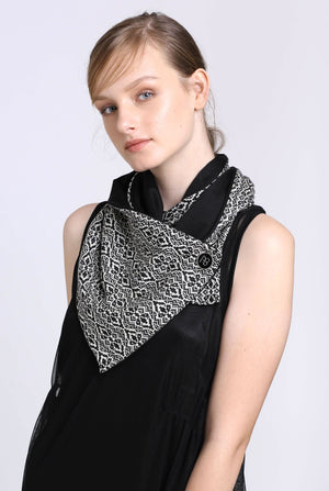 Black and White Scarf Malina