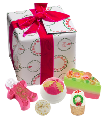 Holly Soaks Square Wrapped Gift Box Set