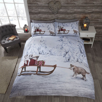 Huskies Christmas Bedding