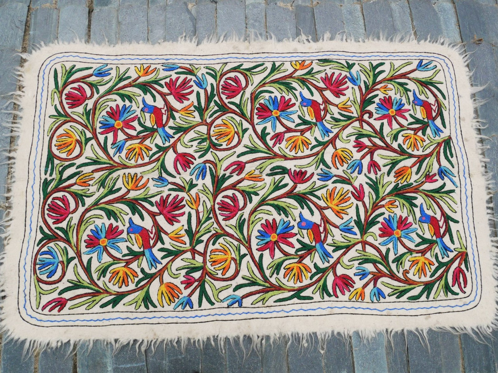 "Kashmiri ""Namda"" 6x4 hand felted embroidered rug bohemian area rug made of pure wool"