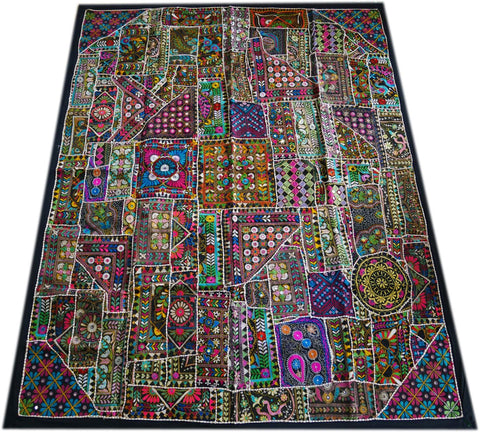 Vintage Banjara bedspread, Indian large tapestry for Yoga studio decor, hippie bohemian bedroom