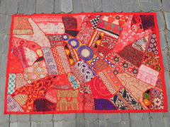 Wall tapestry - Indian patchwork wall hanging made of vintage sarees for bohemian hippie wall decor