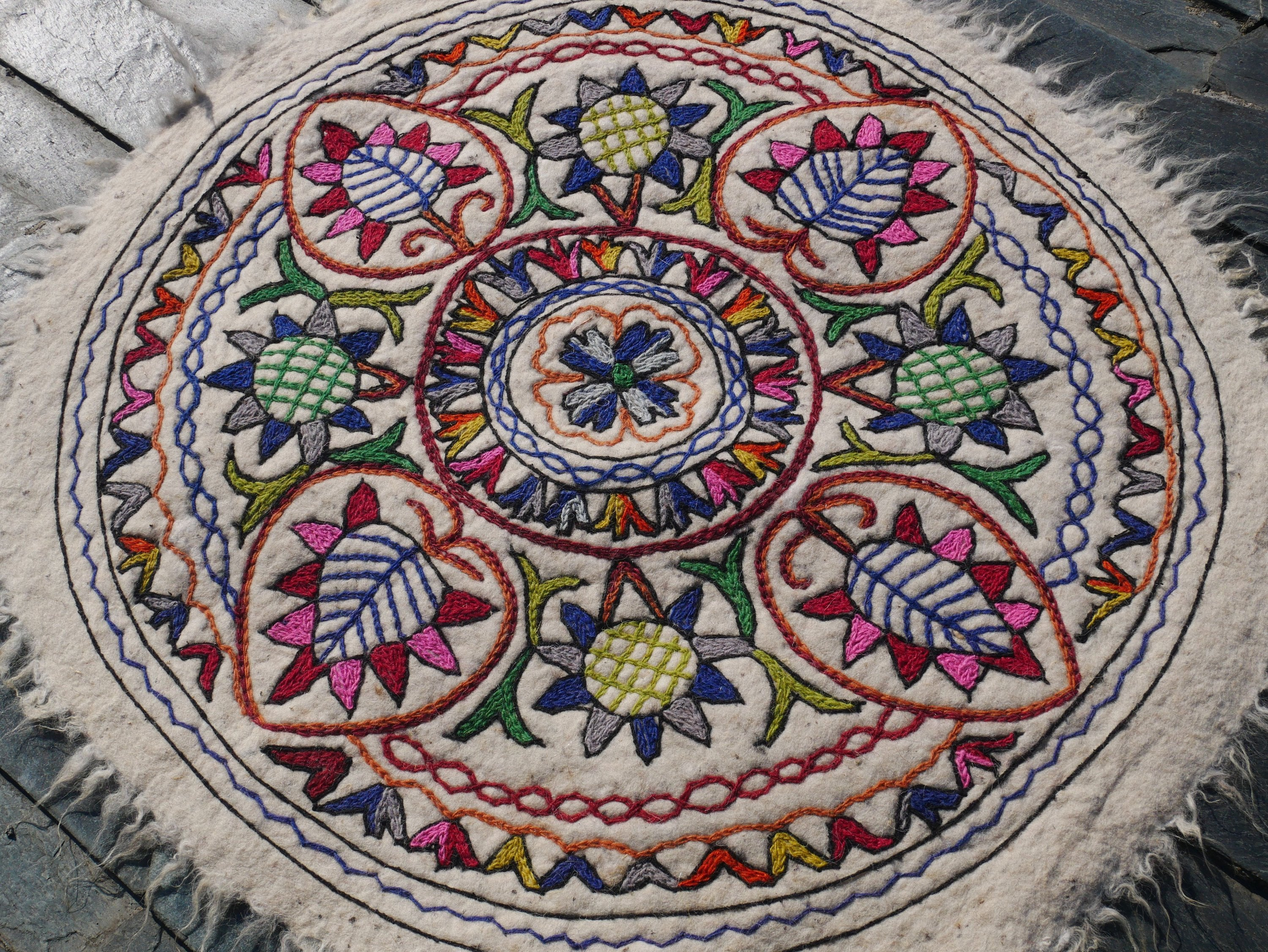 "Round rug - Mandala rug | Kashmiri ""Namda"" felt rug made of pure wool 