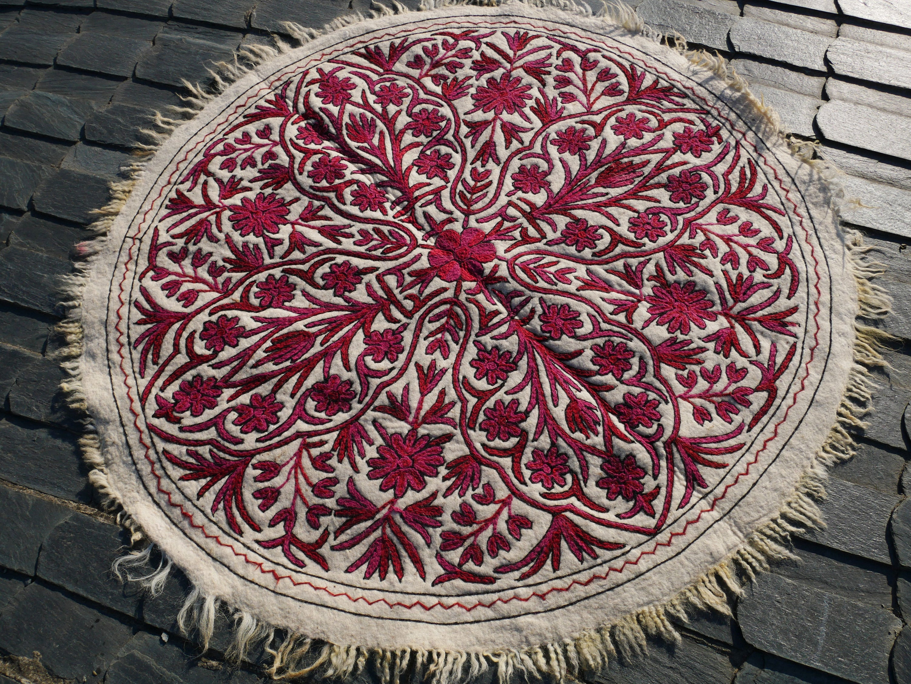 "White wool rug - Round Mandala rug | Kashmiri ""Namda"" traditional hand felted wool rug 