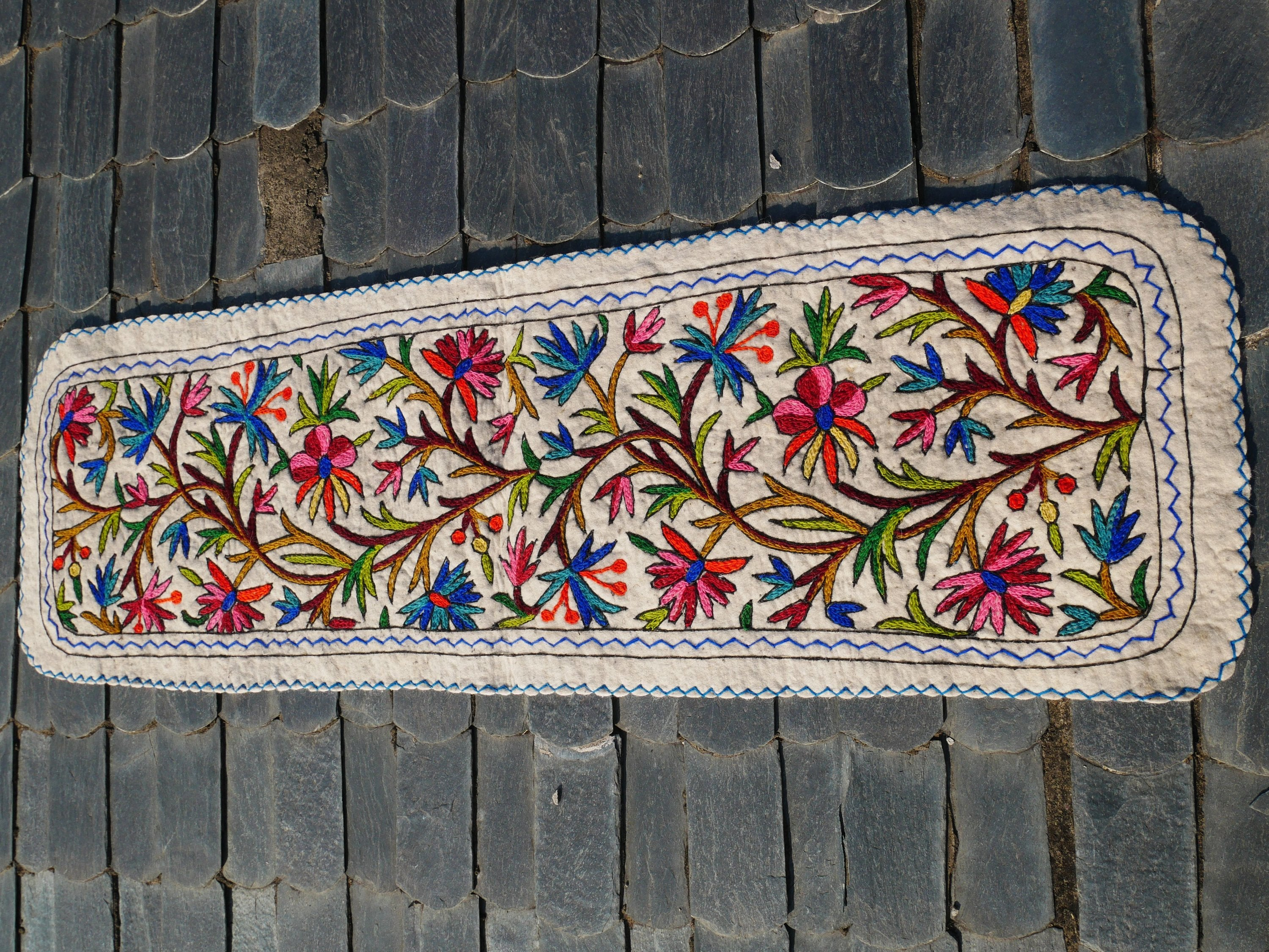 "Kashmiri ""Namda"" runner rug 2x6 