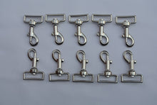 Load image into Gallery viewer, 38mm Heavy Duty Swivel Trigger Clips/Hooks For Leads Webbing