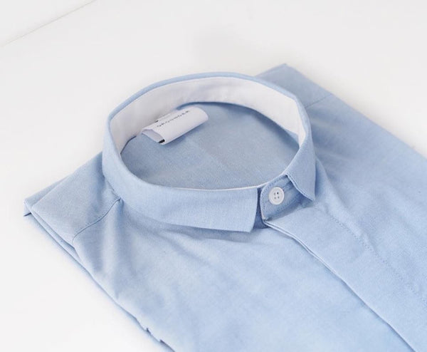 Blue mini collar with white inside