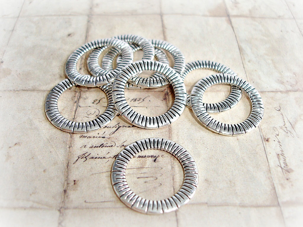Antique Silver Closed Jump Ring 23 mm Line Pattern