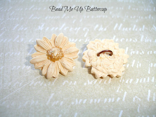 Spring Collection - 1 Cream Polymer Clay Flower Button