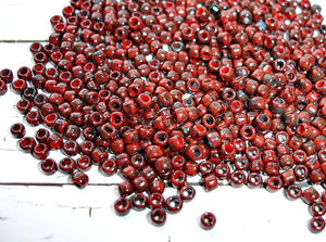 Size 8/0 Toho Seed Beads Red Pepper Picasso Finish
