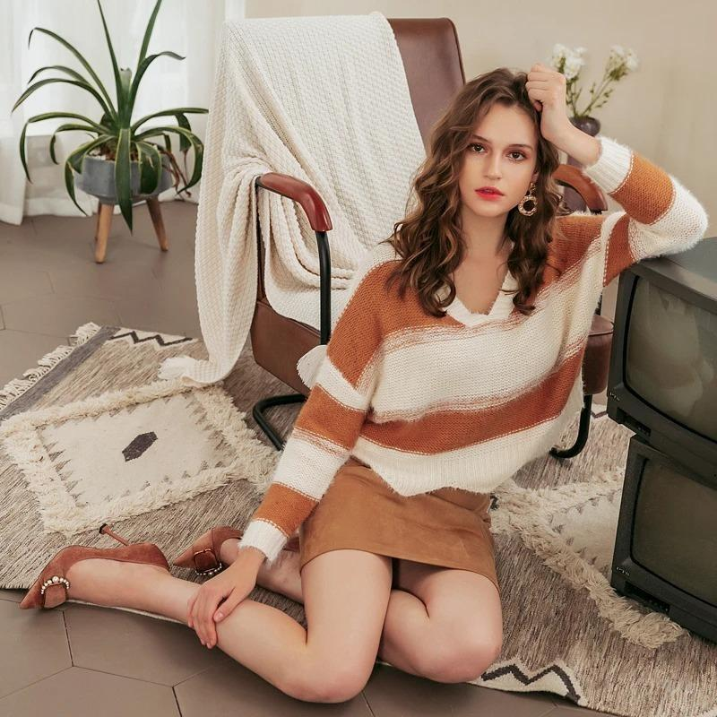 Contrast Striped Loose Wave Pullover