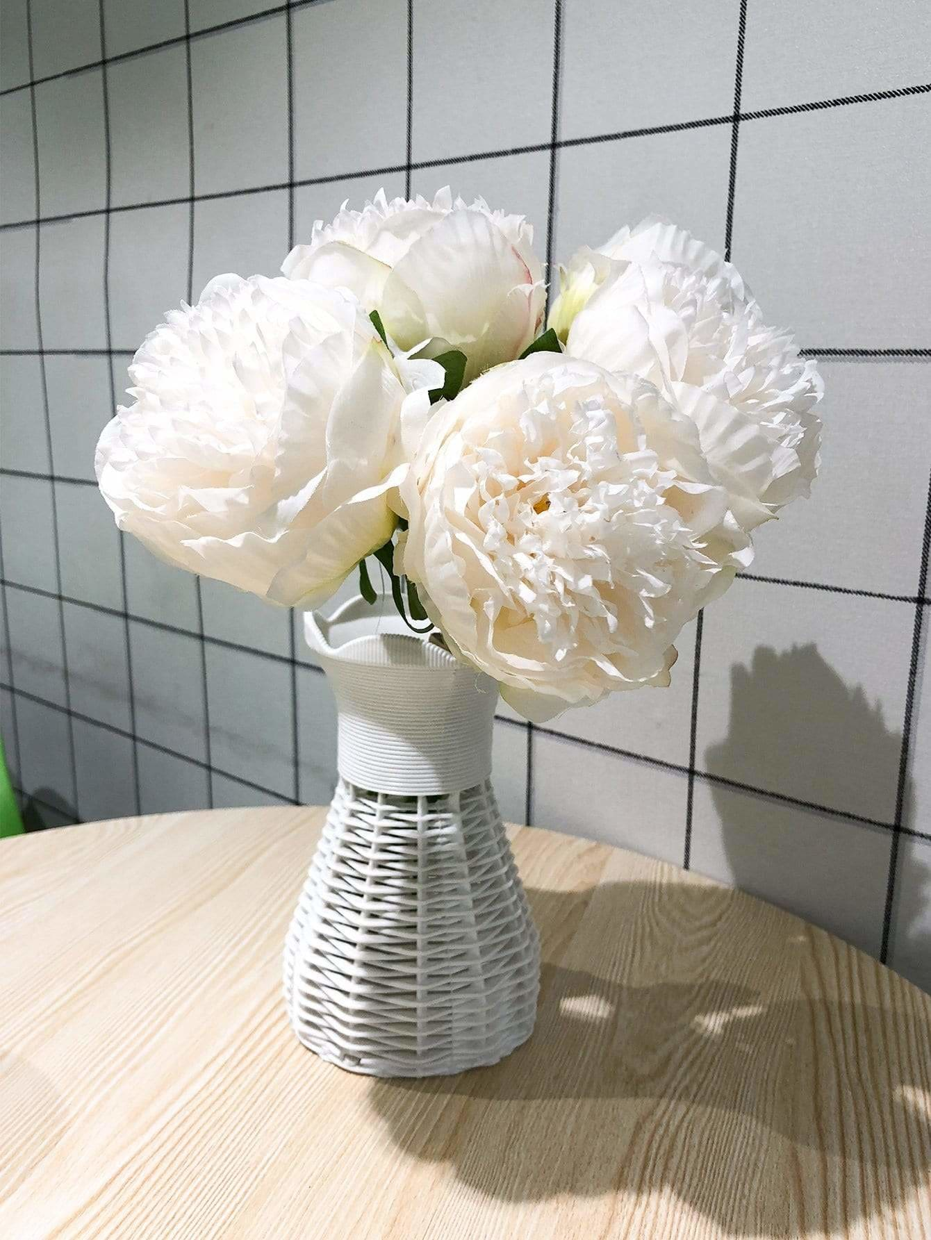Artificial Flower Bunch With 5pcs Branch - Vases & Artificial Flowers
