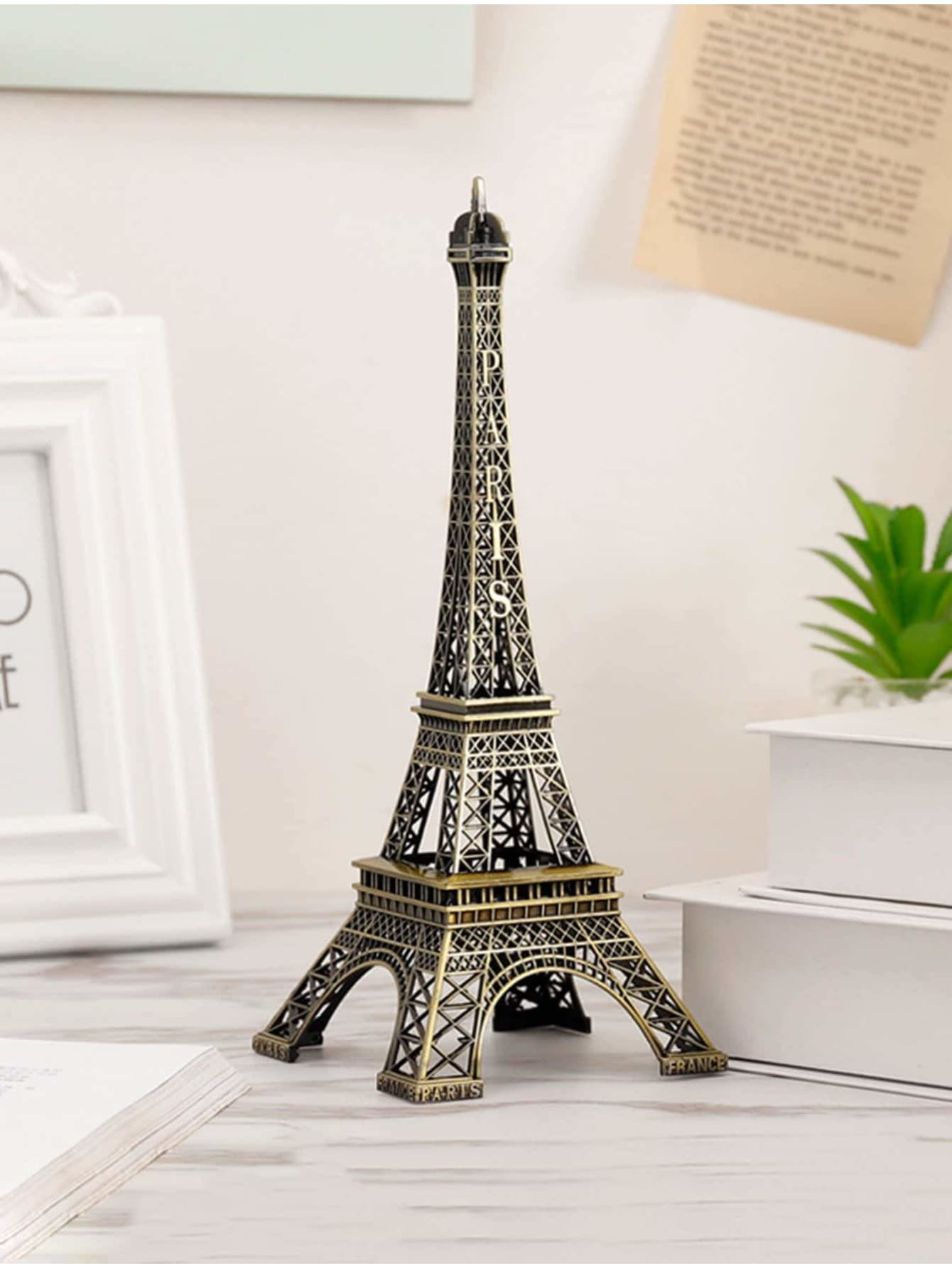 Eiffel Tower Decoration - Displays