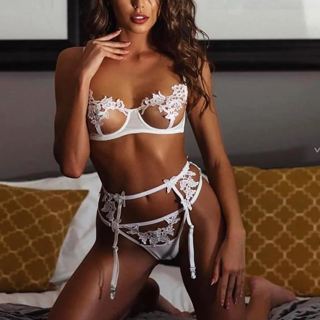 Hollow Lace Push Up Lingerie Set - White / M - Lingerie