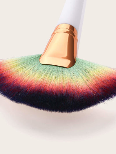 Ombre Fan Shaped Makeup Brush - Makeup Brushes
