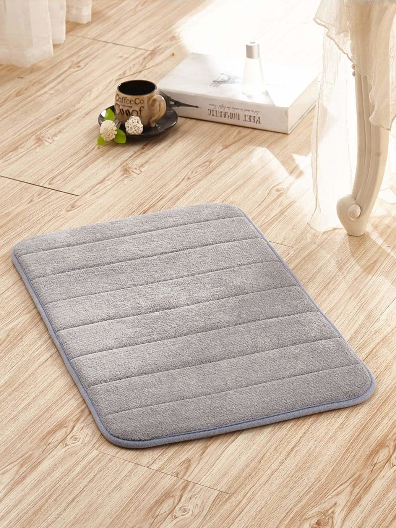 Plain Fluffy Floor Mat - One-Size / Grey - Rugs & Mats