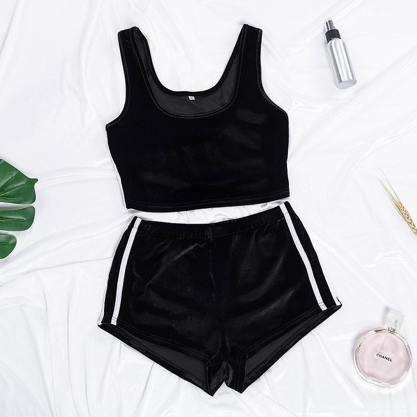 O Neck Cami Crop Top Stripe Shorts Velvet PJ Set